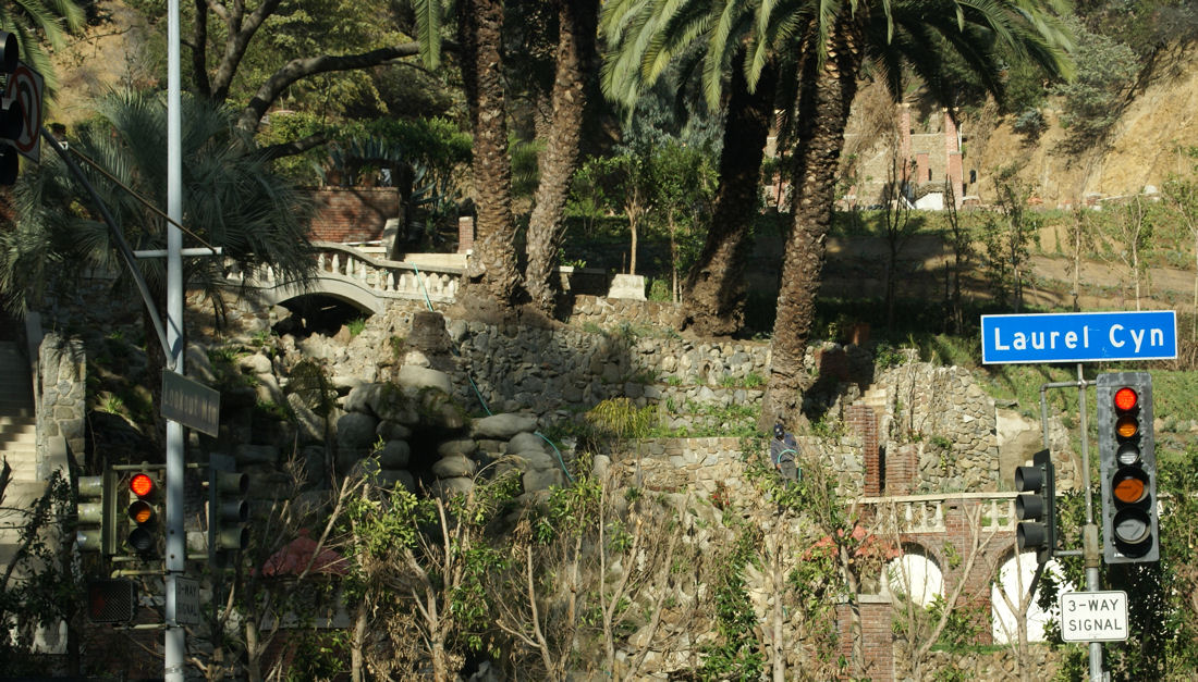 Image gallery laurel canyon for Laurel house